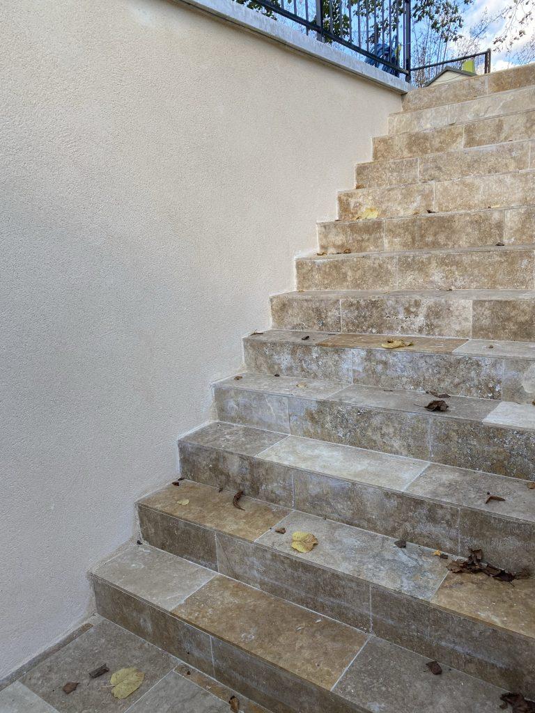 Ravalement mur descente escaliers