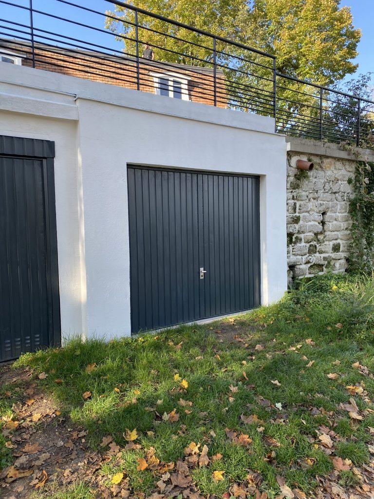 Ravalement façade garage et peinture porte de garage